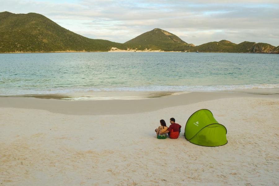 viagem com bebês o que levar barraca abrigo praia