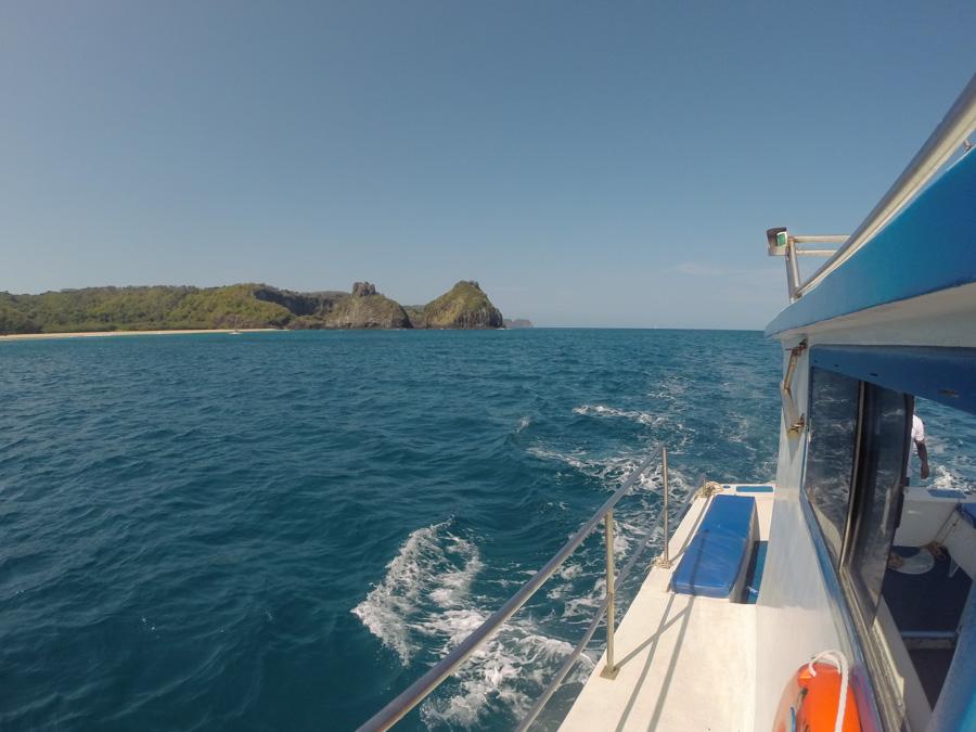 melhor passeio de barco em noronha