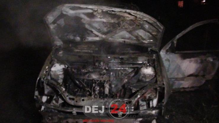 incendiu masina Garboul Dejului (4)