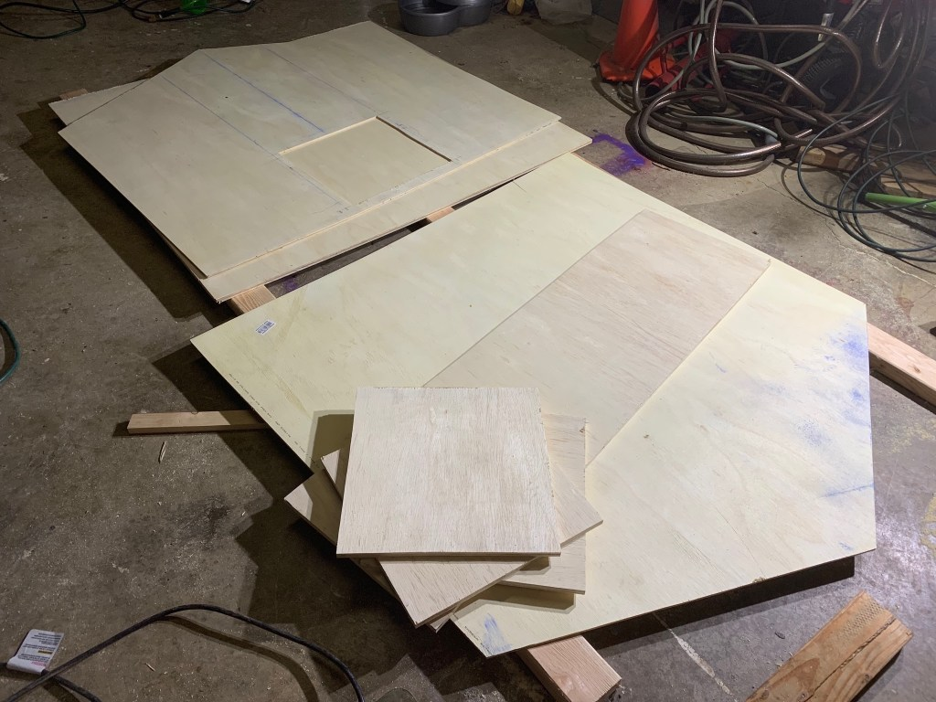 Plywood pieces for the duck house