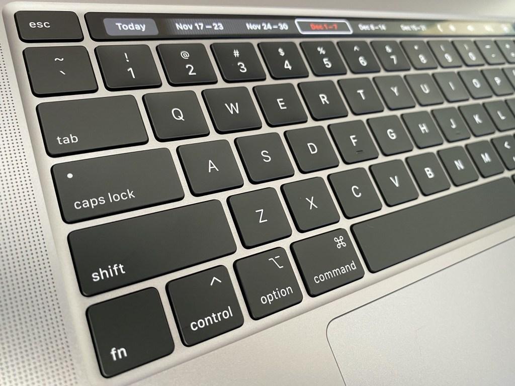 MacBook Pro 16 keyboard