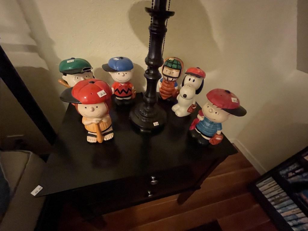 Snoopy figures