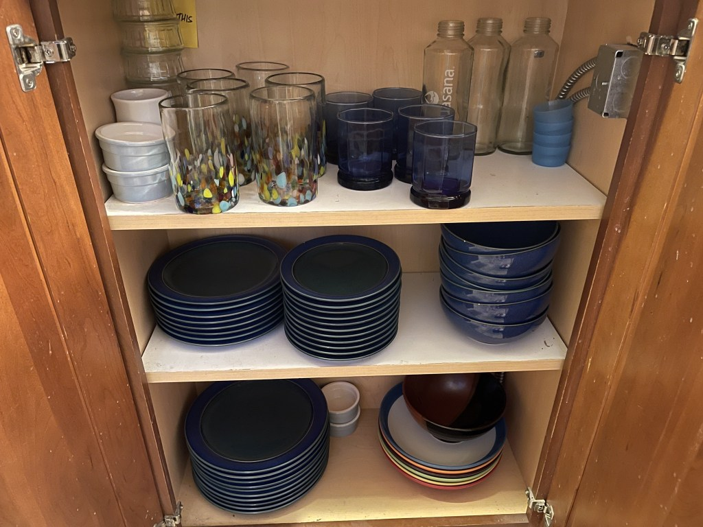 Glasses, plates