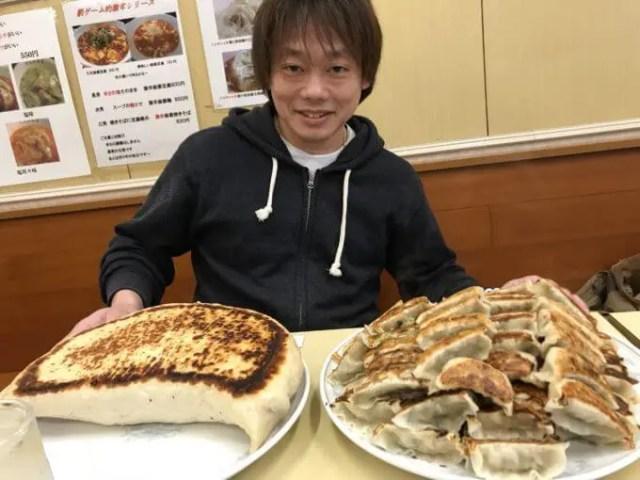 神楽坂飯店W餃子大食いチャレンジジャンボと100個成功無料