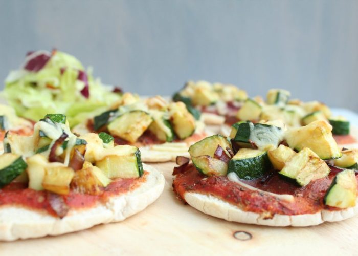Pita pizza met courgette