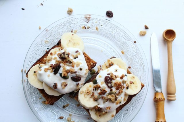 ontbijtkoek met banaan