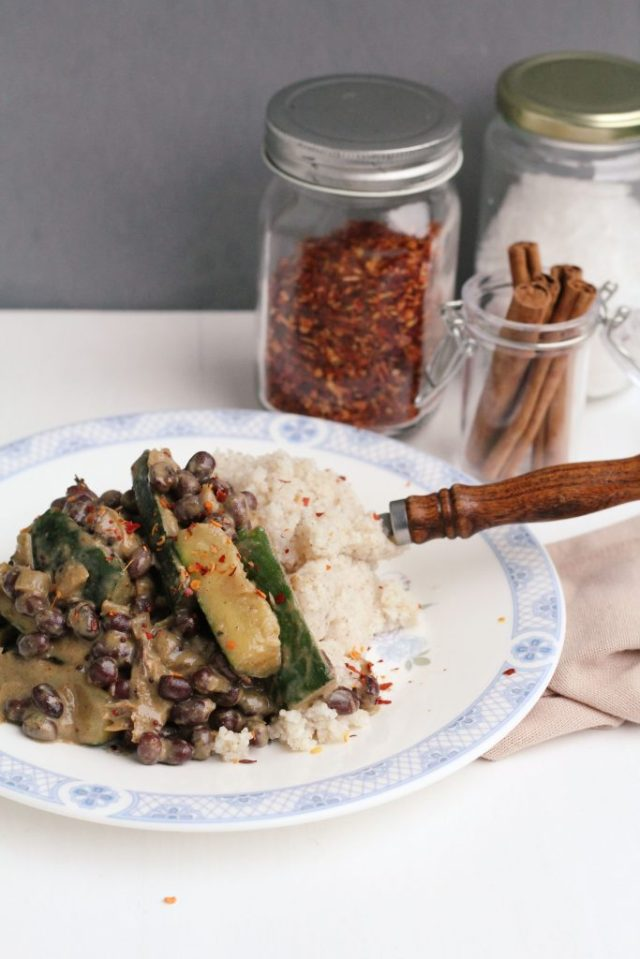 zelf curry met courgette maken