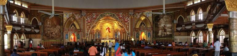 Edappalli Church _Edappalli Palli - St. George Syro-Malabar Catholic Forane Church Interior - Panorama, Edappally Church
