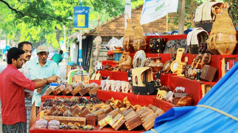 Fort Kochi Beach - Street Venders-Handicrafts-Seller, Handicrafts Kochi