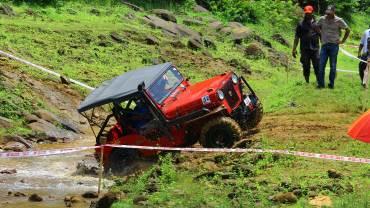 Bhoothathankettu-Fest-(Four-Wheel-mud-race)-Crossing-the-natural-water-area-on-off-road-track, Bhoothathankettu Slush Fest