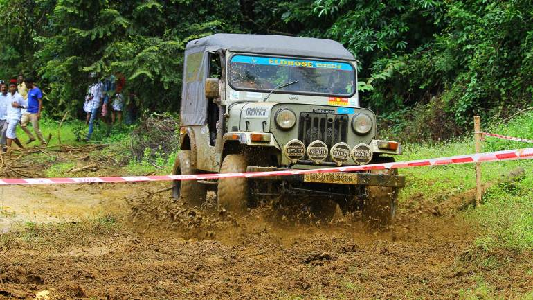 Bhoothathankettu-Fest-(Four-Wheel-mud-race)-One-of-the-modified-vehicles-on-the-off-road
