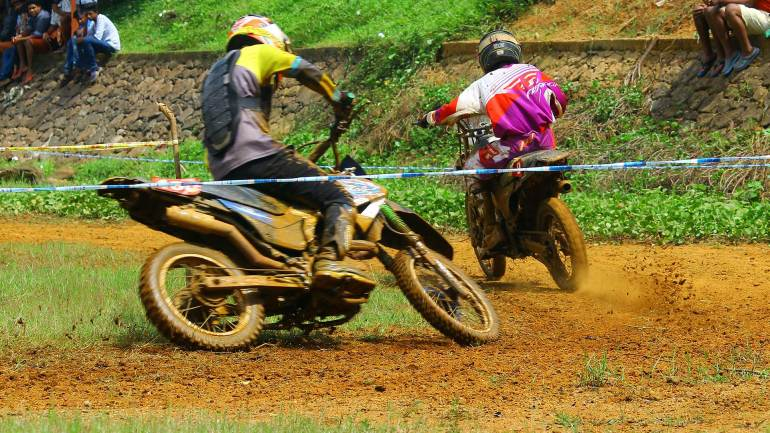 Bhoothathankettu-Mud-Race-2017-Through-the-dry-part-of-the-track