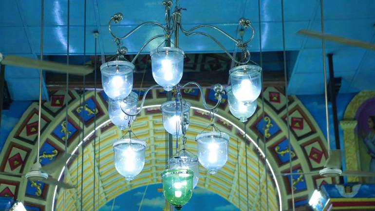 Vintage-Lamps-on-the-Ceiling-of-St.-Thomas-Church-Kothamangalam, Mar Thoma Cheriapally