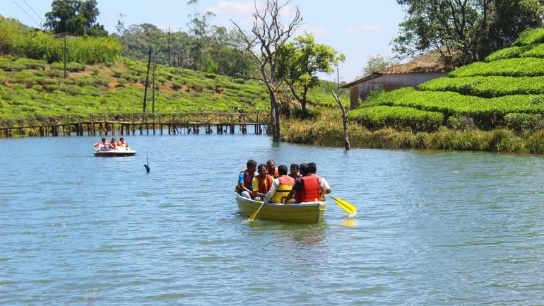 Vagamon-Lake-Pedal-Boating