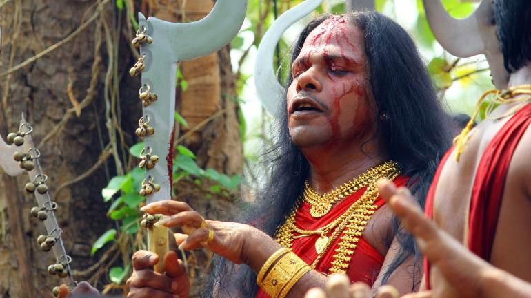 Velichappadu-or-Komaram-at-Kodungallur-Bhagavathy-Temple-Kodungallur-Bharani-Festival-Kerala-Festival-Photos, Kodungallur Bharani