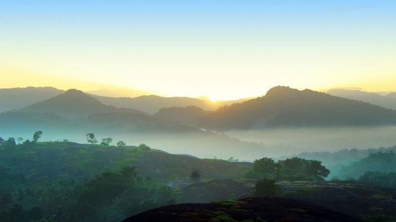 Ayyappanmudi-Sunrise-Photo-View-From-Ayyappanmudi