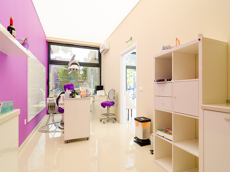 опънати-тавани-зъболекарски-кабинет-1