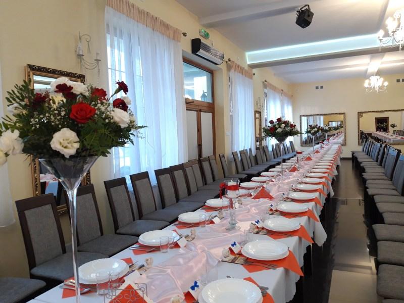 Kielichy Martini - wypozyczenie-dekoracji, szklo-ozdobne, dekoracja-stolow - 20190913 182525 1024x768