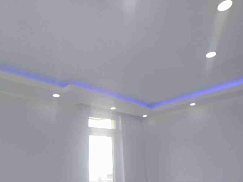 Renkli alçıpan tavan aydınlatmaları2