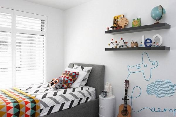 Çocuk odası için parlak yatak çarşafları