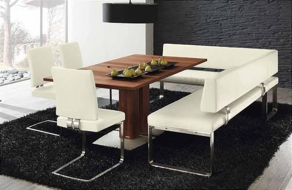 Oturma odası için köşe döşemeli mobilyalar - yumuşak bir köşe fotoğrafı