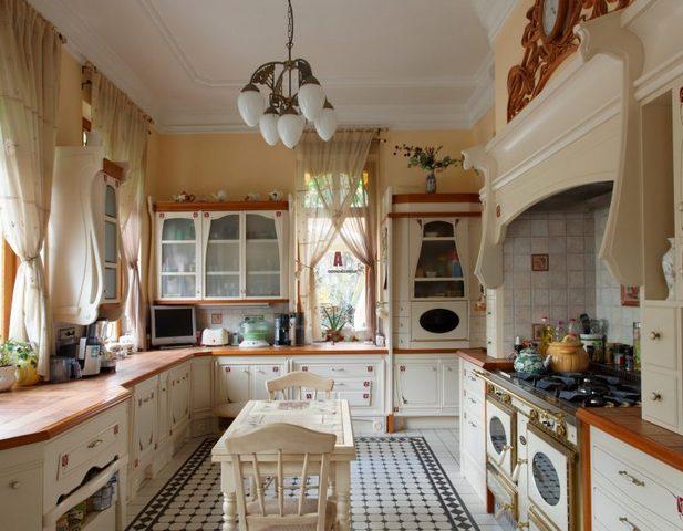 Provence tarzında küçük bir mutfak tasarımı fotoğraf 2