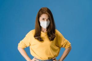 Anale coronatest stuit op protest in China: 'Onnodig pijnlijke manier om in je keel te geraken'
