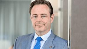 """Geschiedenis vraagt contactverbod tegen Bart de Wever: """"Dit is nu de zesde afspraak die hij probeert te maken"""""""