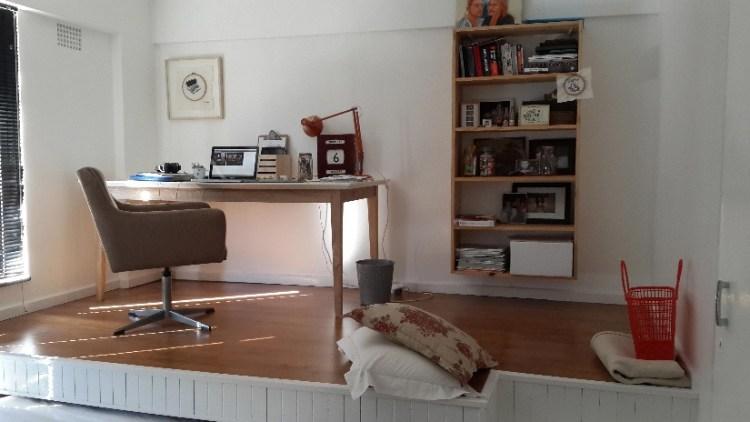 Berbagai Meja Berbahan Kayu untuk Rumah Anda