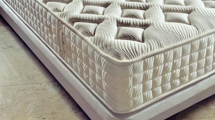 Kasur spring bed dengan keempukan medium