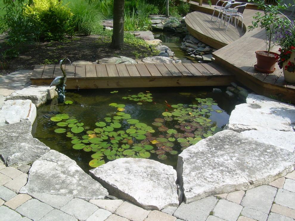 Kolam Ikan Minimalis Jembatan