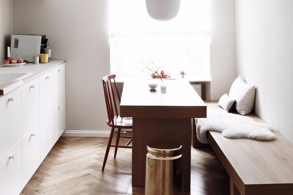 RRumah 2 lantai Mungil Putih & 8 Desain Rumah 2 Lantai Mungil ini Buat Keluarga Betah di Rumah