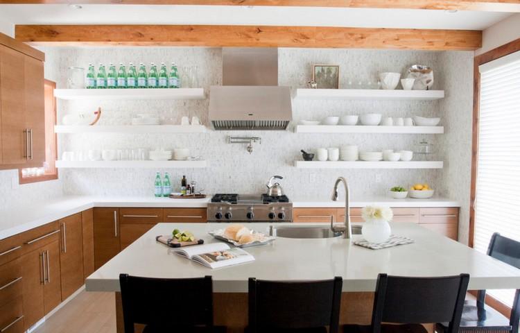 Rak Terbuka pada Desain Dapur Kecil