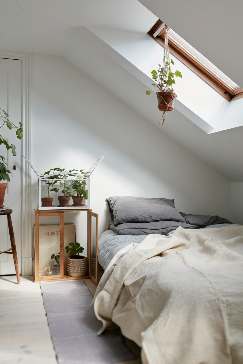 Desain kamar minimalis di loteng