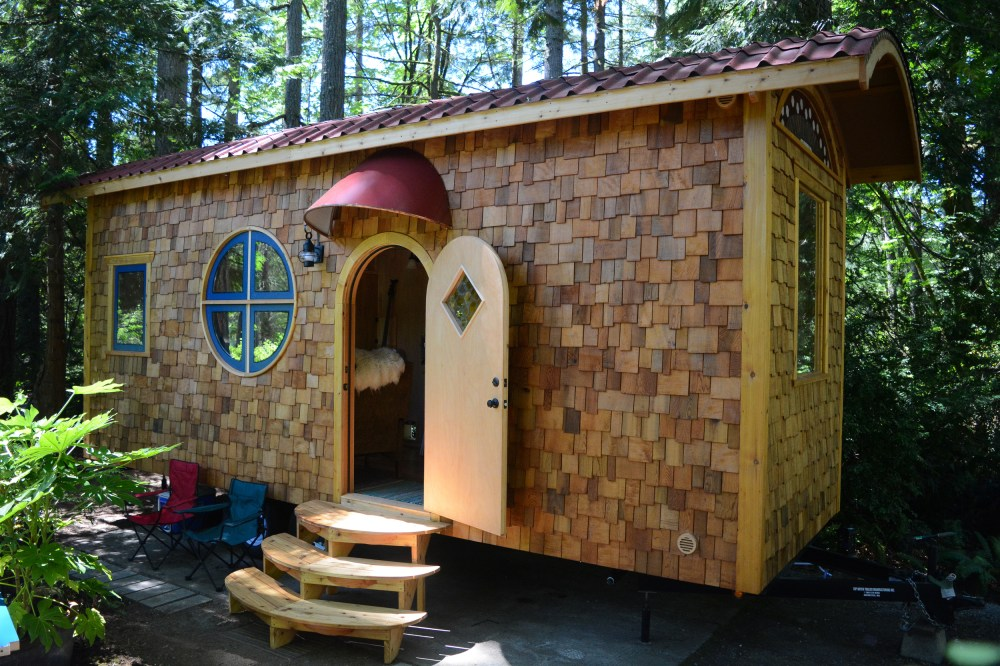 Desain Rumah Kayu The Hobbit