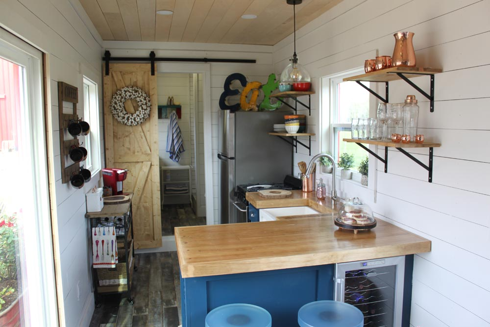 Desain Rumah Kayu Rustic Retreat XL & 10 Desain Rumah Kayu untuk Lahan Sempit