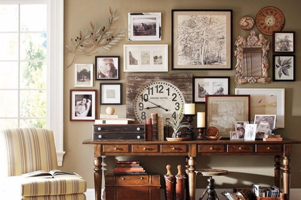 Gallery Wall Rumah Kayu