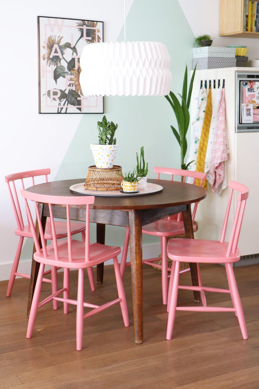 Meja Makan Pink Coral