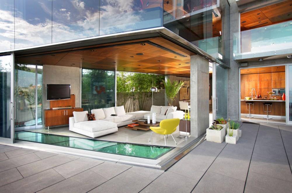 Ruang utama ruman kaca The Lemperle Residence