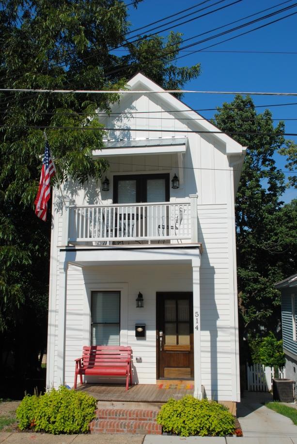 15 desain rumah 2 lantai minimalis kreatif for Small 2 story house design