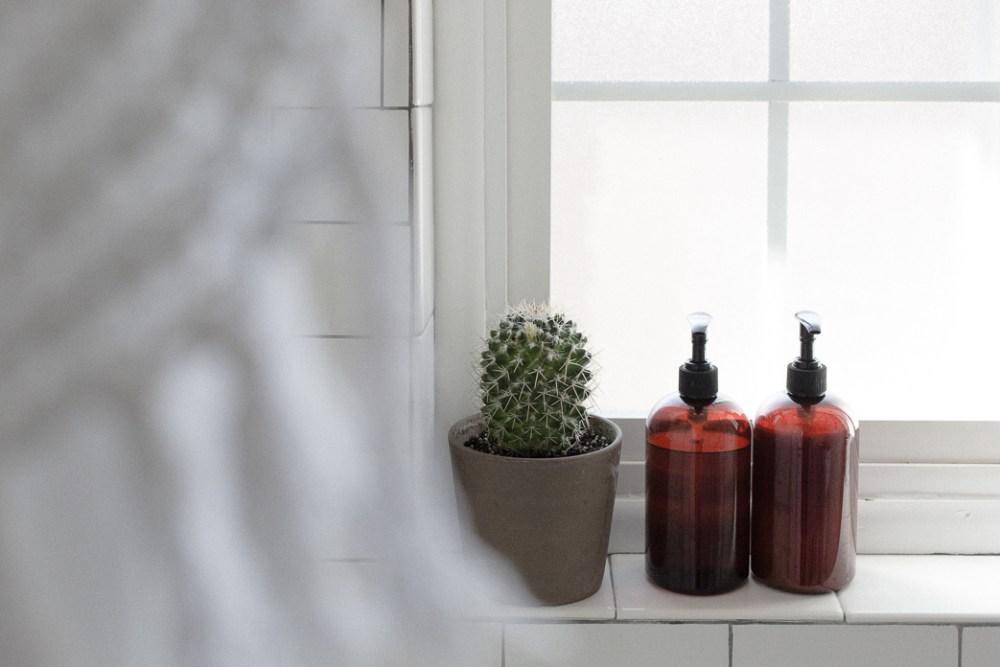 Kamar Mandi Sederhana Botol Sabun