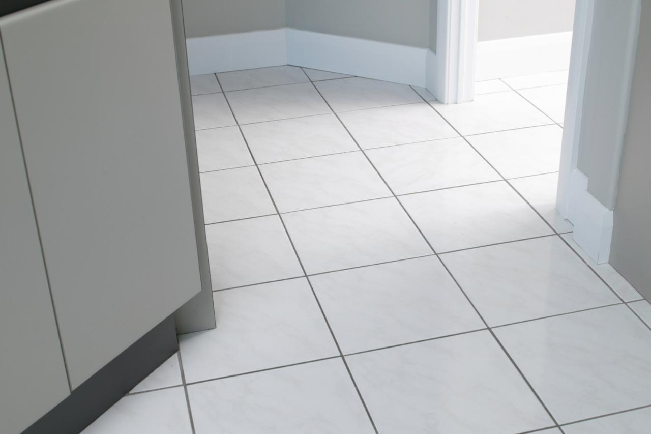 Mau Memasang Lantai Keramik Kenali Plus Minusnya Kelebihan dan kekurangan keramik