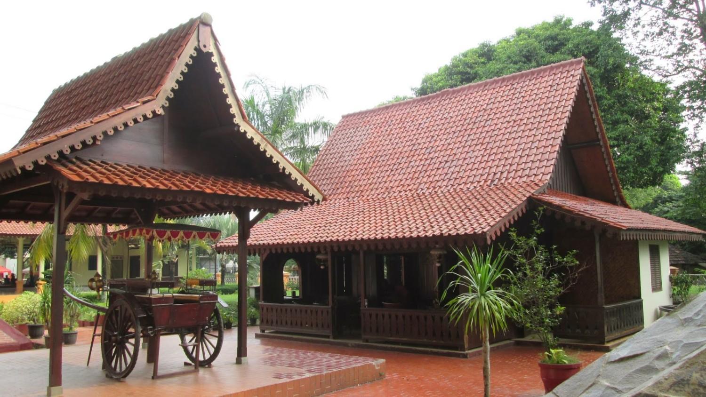 Teras Rumah Adat Betawi Digunakan Untuk
