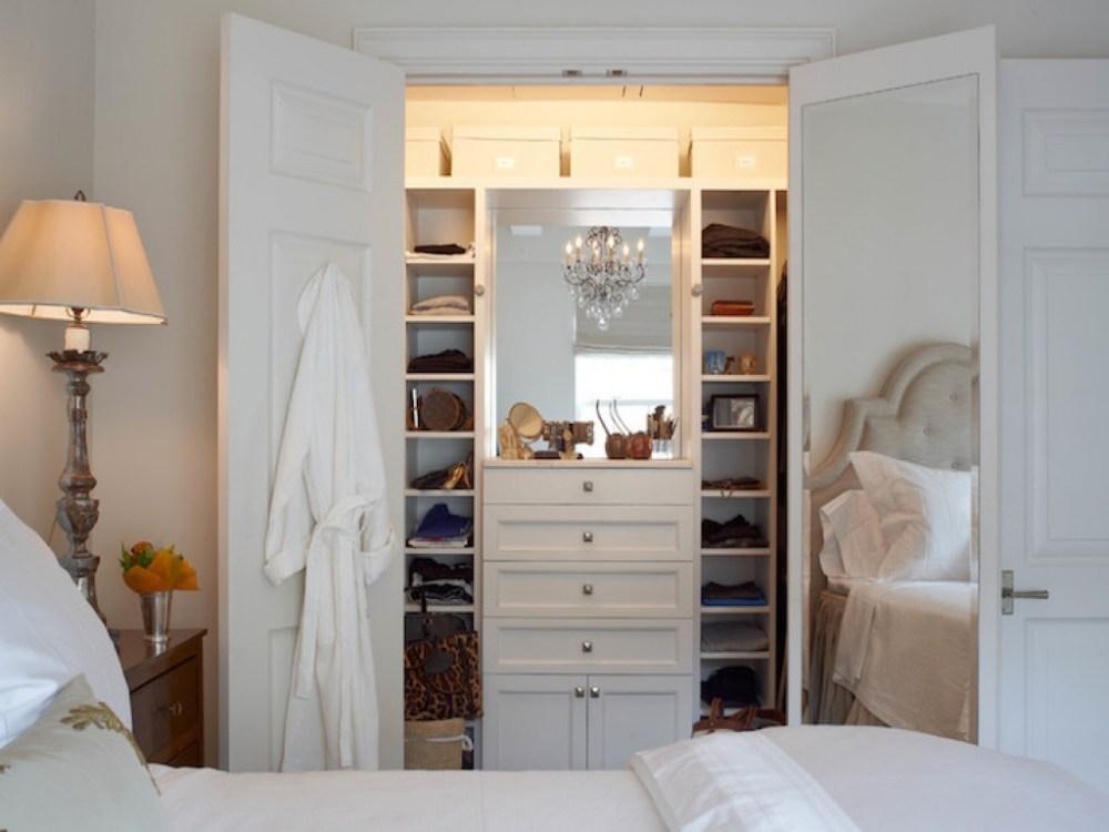 cara menghias kamar tidur yang sempit cermin