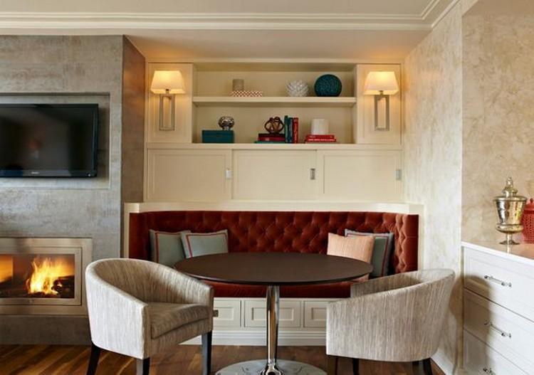 Ruang keluarga menyatu dengan ruang makan minimalis ala breakfast nook