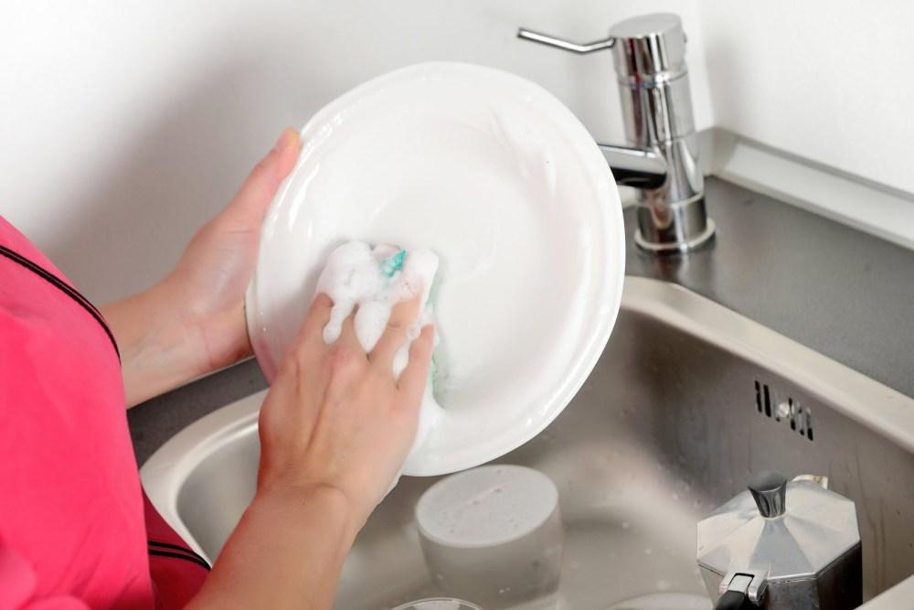 Rumah Bersih Mencuci Piring
