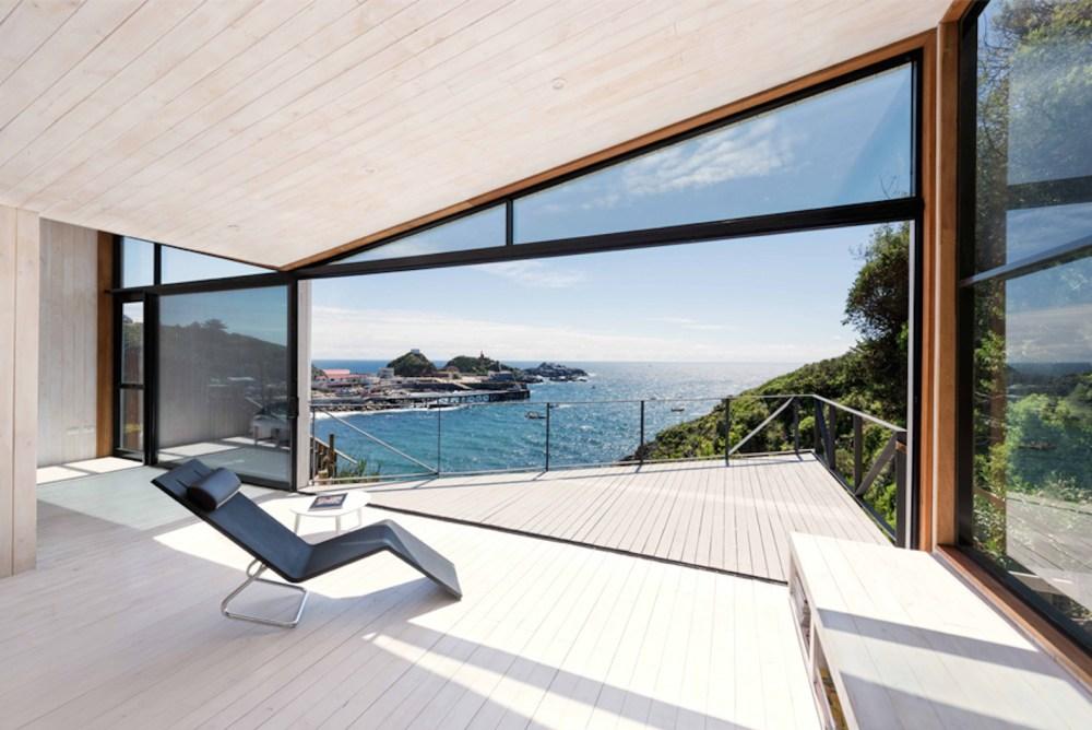 Rumah Minimalis Terbaru Full  Height Glass