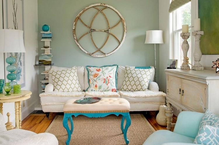 Interior ruang keluarga bergaya vintage