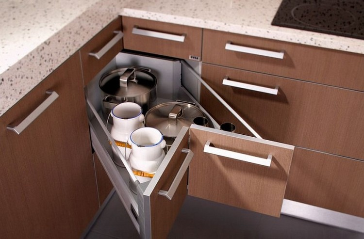 Kitchen cabinets with maximum space
