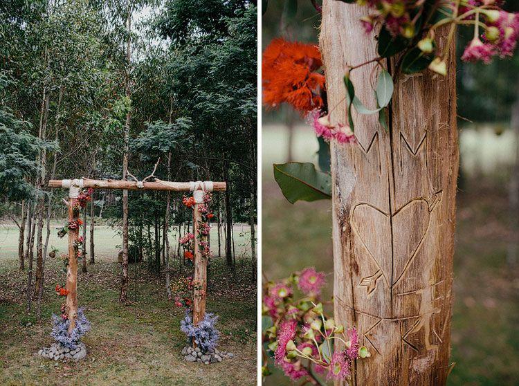 Dekorasi Pelaminan Dari Batang Pohon